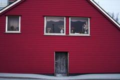 Colore rosso di legno della porta di entrata di architettura della Camera Fotografia Stock Libera da Diritti
