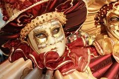 Colore rosso e particolare della mascherina dell'oro Immagine Stock Libera da Diritti