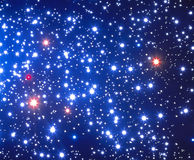 Colore rosso e stelle colorate blu immagini stock