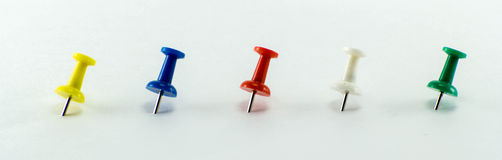 Colored Thumbtacks to remember things to do Royalty Free Stock Photography