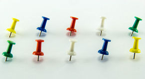 Colored Thumbtacks to remember things to do Royalty Free Stock Images