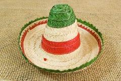 Coloree el sombrero mexicano imagen de archivo libre de regalías