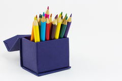Coloree los lápices aislados en el cierre blanco del fondo para arriba Fotos de archivo libres de regalías