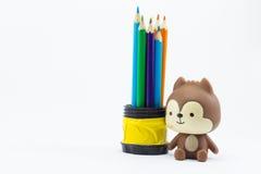 Coloree los lápices aislados en el cierre blanco del fondo para arriba Imagen de archivo libre de regalías