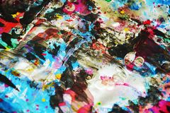 Colores borrosos cerosos vivos del puple oscuro azul del oro, contrastes, fondo creativo ceroso Imagen de archivo libre de regalías