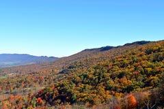 Colores brillantes de la caída en Virginia Occidental Imágenes de archivo libres de regalías