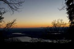 Colores calientes de la puesta del sol Fotos de archivo libres de regalías