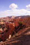 Colores claros de la última hora de la tarde los pináculos de la piedra arenisca en el canyo Fotografía de archivo libre de regalías