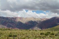 Colores de Cerro de siete, montañas de la Argentina Foto de archivo libre de regalías