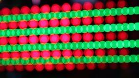 Colores de la noche del parque de atracciones del funfair de las luces del disco de Synthwave del parque de atracciones almacen de video