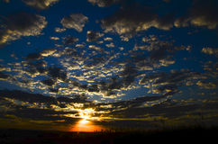 Colores de la puesta del sol Fotos de archivo libres de regalías