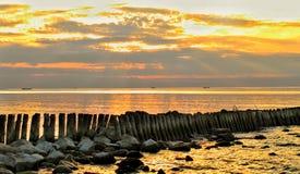 Colores de la puesta del sol de la primavera fotos de archivo libres de regalías