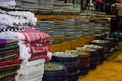 Colores del bazar de la ciudad vieja de Jerusalén en Israel Imágenes de archivo libres de regalías