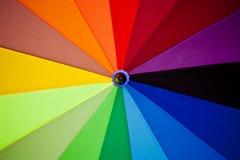 Colores del espectro en el paraguas Foto de archivo libre de regalías