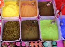 Colores del festival de Holi en la India fotos de archivo