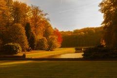 Colores del otoño en el parque de Tervuren foto de archivo libre de regalías