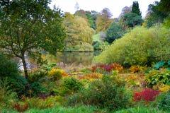 Colores del otoño en Forde Abbey Dorset England Fotos de archivo