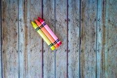 Colores del ` s de los niños en el piso Fotografía de archivo