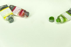 Colores del tubo de aceite en el fondo blanco Foto de archivo