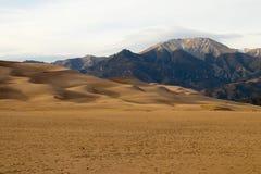 Colores magníficos del grandes parque nacional y coto, San Luis Valley, Colorado, Estados Unidos de las dunas de arena foto de archivo libre de regalías