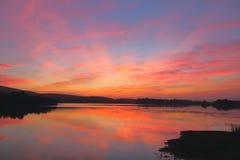 Colores naturales de la rojez en cielo Foto de archivo libre de regalías