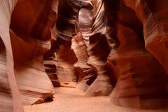 Colores que brillan intensamente del barranco superior del antílope, el barranco famoso de la ranura en la página cercana de la r Foto de archivo libre de regalías