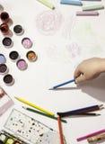 Colorez le crayon, peinture, faite main au travail Photographie stock libre de droits