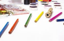 Colorez le crayon, peinture, faite main au travail Photo stock
