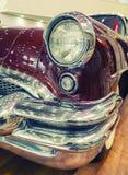 Colorez le détail sur le phare de la voiture d'Américain de vintage Image libre de droits