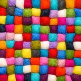 Colorez le fond de laine - boules de fil de laine artificielle Photographie stock libre de droits
