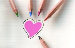 Colorez votre coeur - violette images stock