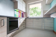 Colorful, bright, modern kitchen Royalty Free Stock Photos