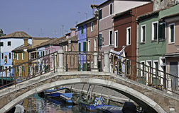 Colorful building at a channel, Burano Royalty Free Stock Photography