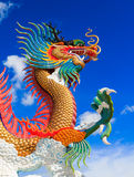 Colorful dragon statue with blue sky Royalty Free Stock Photos