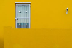 Colorful homes in the historic Bo-Kaap neighborhood in Cape Town Stock Photos