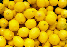 Colorful Lemons In Market Royalty Free Stock Photos