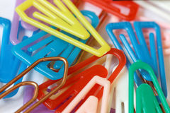 Colorful paper clips closeup-02 Royalty Free Stock Image