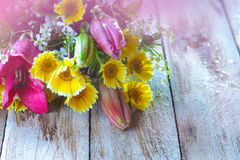 Colorful summer flower bouquet on the table Royalty Free Stock Photos
