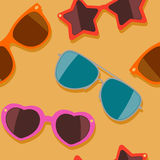 Colorful sunglasses. Vector seamless pattern. Summer beach colorful seamless background Royalty Free Stock Photos