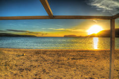 Colorful sunset by the shoreline Royalty Free Stock Photo