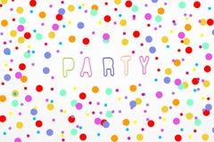Colorfull-Buchstaben für Partei und Konfettis auf weißem Hintergrund lizenzfreies stockbild