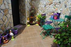 colorfull Haus Ostern lizenzfreie stockbilder