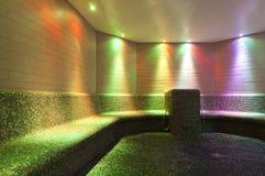 Colorfull iluminou o banho de vapor no swimmin público Imagem de Stock