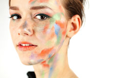Colorfull makeup och en ung dam Royaltyfri Foto