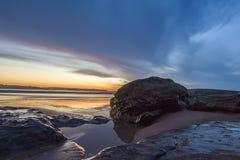 Colorfullzonsondergang bij Somo-strand royalty-vrije stock fotografie
