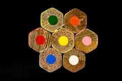 colori capovolto delle matite sistemato nell'esagono Fotografie Stock