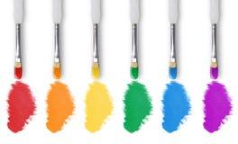 Colori del Rainbow della pittura con il pennello Immagine Stock Libera da Diritti