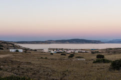 Colori di primo mattino sopra l'isola di Ano Koufonisi, Cicladi Immagini Stock