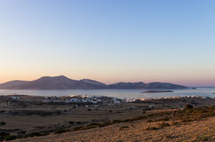 Colori di primo mattino sopra l'isola di Ano Koufonisi, Cicladi Immagine Stock Libera da Diritti
