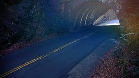 Colori e fotografia astratti della via di prospettiva di un tunnel vuoto della via Fotografia Stock Libera da Diritti